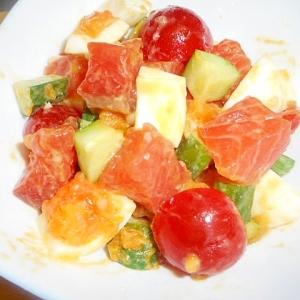 胡瓜、トマト、ゆで卵、サーモンサラダ