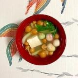 チンゲン菜、木綿豆腐、なめこ、豆麩のお味噌汁