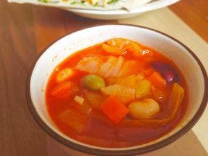 豆と野菜のミネストローネ★