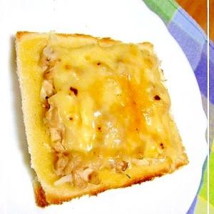 ツナマヨキャベツのトースト