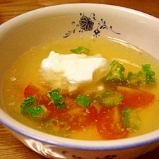 時短トマトとオクラの冷製スープ