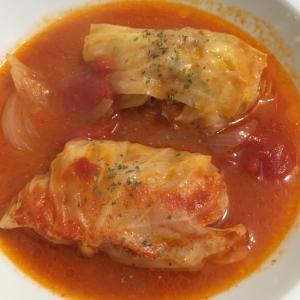 トマ缶でつくるスープ仕立ての簡単ロールキャベツ