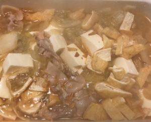 キムチ鍋の素で豆腐と白菜、豚薄切り肉の鍋