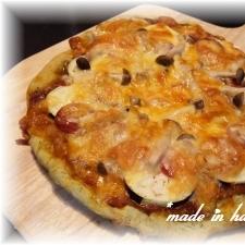 トマトソースが合いますよぉ・・・バジル風味のピザ☆