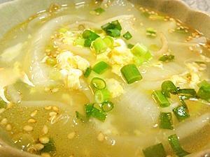 もやしと玉ねぎの中華スープ