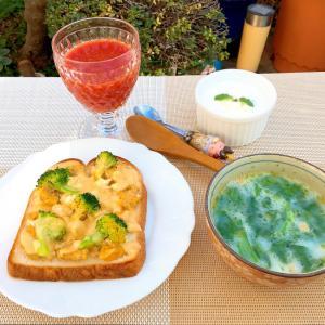 カフェ風ブロッコリー卵の簡単チーズトースト+スープ