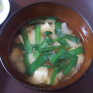 大根、ニラ、豆腐の味噌汁