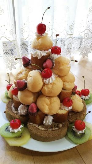 ロールケーキとプチシューで簡単ケーキタワー