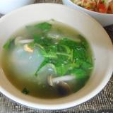 冬瓜とモロヘイヤの中華風スープ