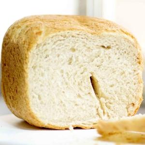 ホームベーカリー de 全粒粉パン