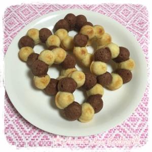 手土産にぴったり☆2色で可愛い焼きドーナツ