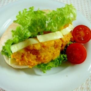 かぼちゃサラダとチーズのプチパンサンドの朝食♪