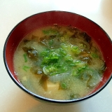 旬の生わかめと豆腐の味噌汁♪