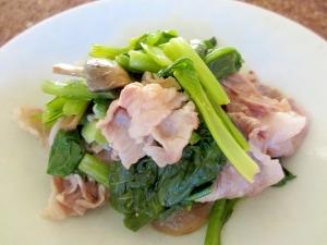 牛肉、小松菜、マッシュルームの塩コショウ炒め