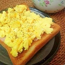 ☆朝食の定番☆バターエッグ&ハムのうまうまトースト