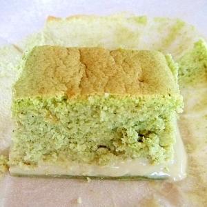 グリーンティーの3層ケーキ