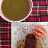 栄養満点!野菜たっぷりのスープとハンバーグ