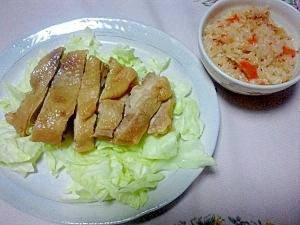 炊飯器で☆蒸し鶏と人参炊き込みご飯
