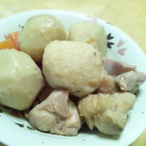 玉ねぎ氷を使って♪お肉やわらか里芋と鶏肉の煮物