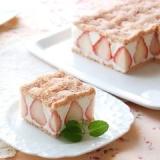 苺とホワイトチョコのスクエアケーキ【No.184】
