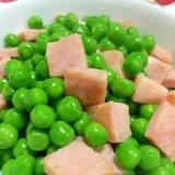 副菜にグリーンピースとベーコンのガーリックソテー