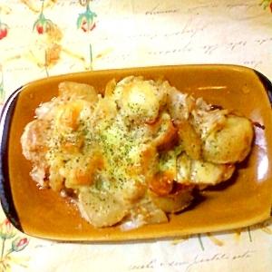ジャガイモとベーコンと玉ねぎのシンプルグラタン♪