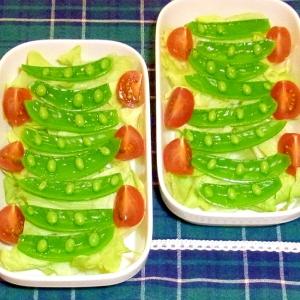 スナップエンドウとレタスのサラダ