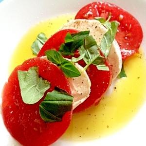 家庭菜園のトマト&バジルとチーズのカプレーゼ