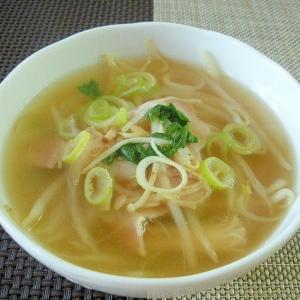 ベーコンともやしのスープ