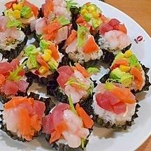 クリスマスやお誕生日に☆のりカップで彩り一口お寿司