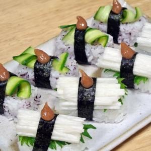 長芋ときゅうりのさっぱり梅寿司