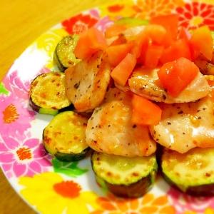 夏野菜!!バジルチキンのにんにく風味☆トマトドレで
