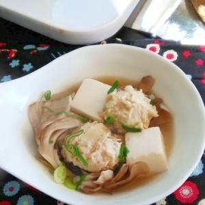 簡単美味しい!あつあつの鶏ごぼうの団子鍋で温まろう