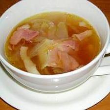 オニオンとベーコンのコンソメスープ
