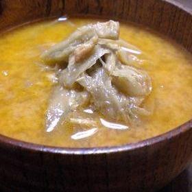ピリッと韓流?ツナごぼうの味噌汁
