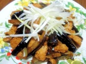 茄子と鶏肉のピリ辛炒め (我が家の味)