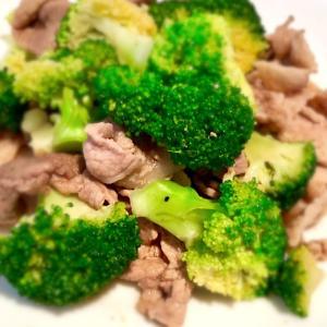 あっさり味で!【ブロッコリーと豚こま肉の醤油炒め】