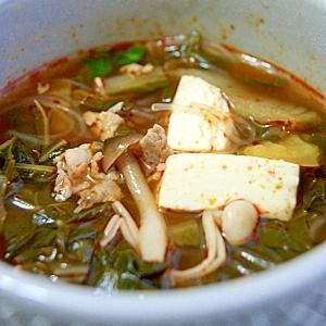 コンソメスープで作る。キムチスープ