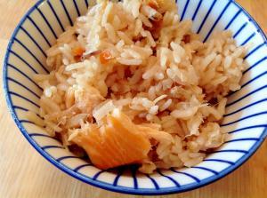 もち米入りサーモン炊き込みご飯