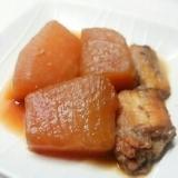 圧力鍋で、水魚(げんげ)と聖護院大根の煮物