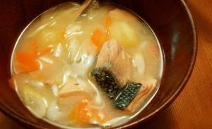 秋鮭の石狩鍋風みそ汁(^^)