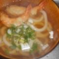 惣菜の天ぷらと冷凍うどんで簡単♪海老天ぷらうどん