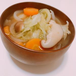 春の味♪春キャベツ、新玉ねぎと椎茸のお味噌汁