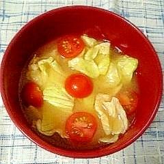 トマトとレタスのみそ汁