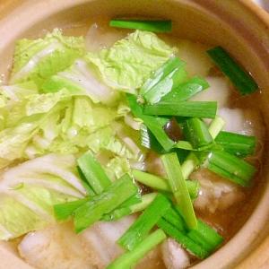 簡単♪美味しい♪とりもも肉と白菜とニラの和風スープ