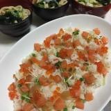麺つゆコロコロサーモンといくらの貝割れちらし寿司♡