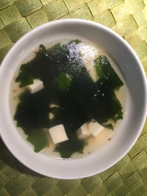 簡単!我が家で人気の♡ワカメと豆腐のスープ