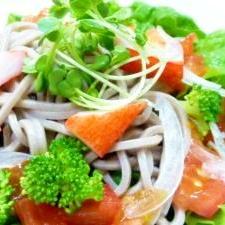 たっぷり野菜♪♫♩♬「そばサラダ」