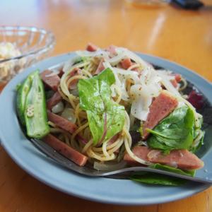 スパムと緑野菜のパスタ