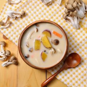 〔ひかり味噌公式〕さつま芋としめじの豆乳味噌スープ